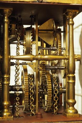 Friese klok onderhoud - Lars Dekker uurwerkreparatie