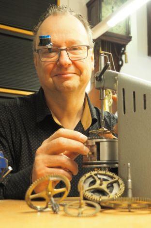 Lars met rollimat - Lars Dekker uurwerkreparatie