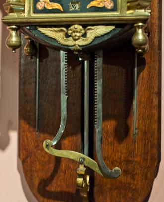 Kornelis Michielsz Volger - klokkenmaker te Zaandam - zaagklok detail