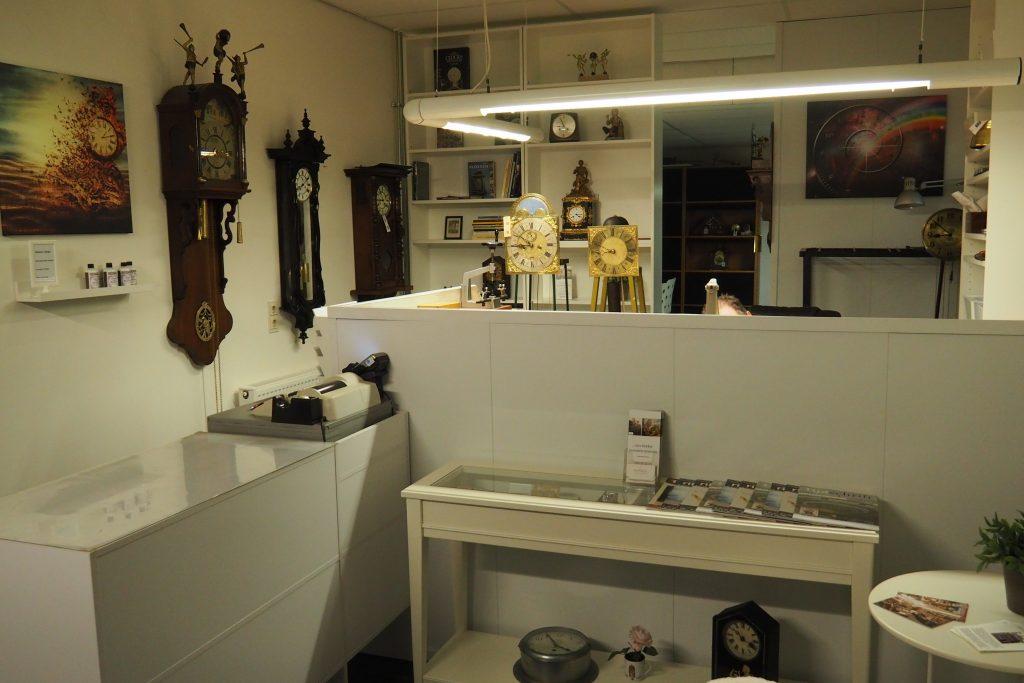 Winkel-werkplaats van klokkenmaker Lars Dekker